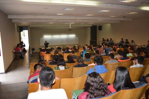Conversatorio sobre la aplicación del derecho indígena en Bolivia