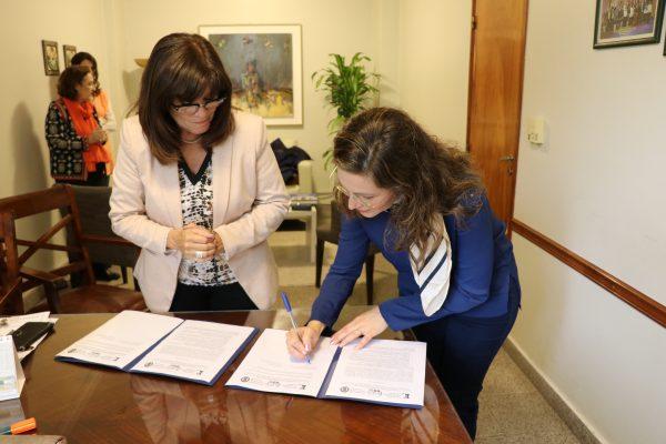 Firma Carta Intención con la Facultad de humanidades de la Universidad de Jaume I